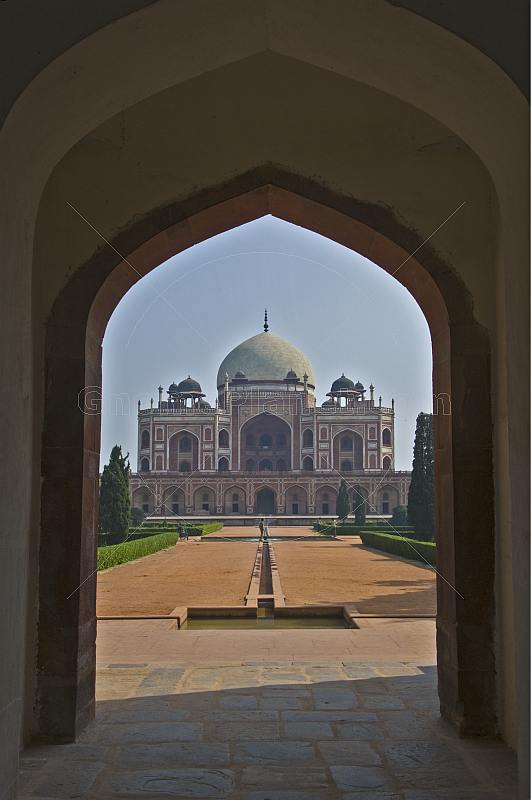 View of Humayun's Tomb through an archway in the West Gate.
