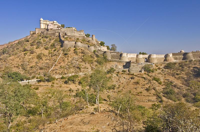 Kumbhalgarh Fort was built by Maharaja Kumbha in 1485 and stands in a commanding position on a ridge in the Aravalli hills.