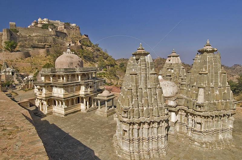 Temples and Palace stand within the walls of the Kumbhalgarh Fort.