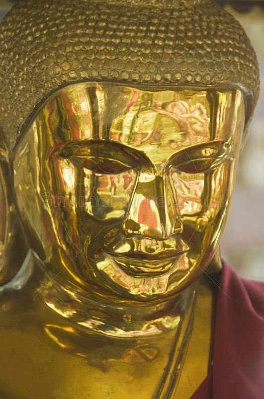 Golden Buddha statue at the Mahabodhi Temple.
