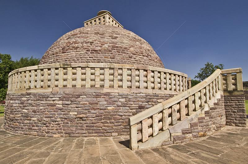 The  Northern Stupa is similar in design to the Main Stupa, though smaller, and with a single gateway.