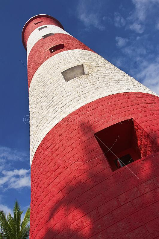 Red and white bands of Vizhinjam Lighthouse tower.