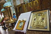 Gold icons in Saint Nicholas Cathedral.