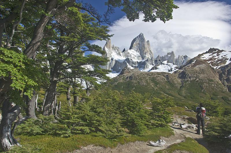 Photographing the Fitzroy Mountains in the Parque Nacional Los Glaciares.