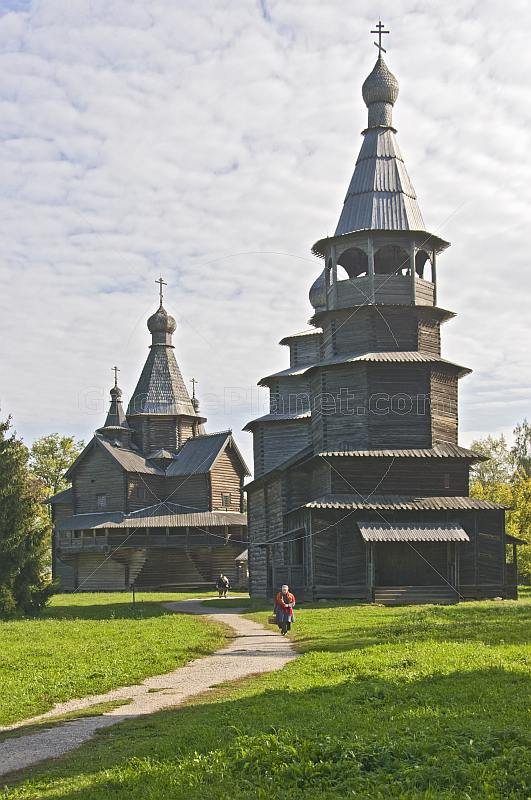 Two churches in the Vitoslavlitsy Museum of Wooden Architecture.