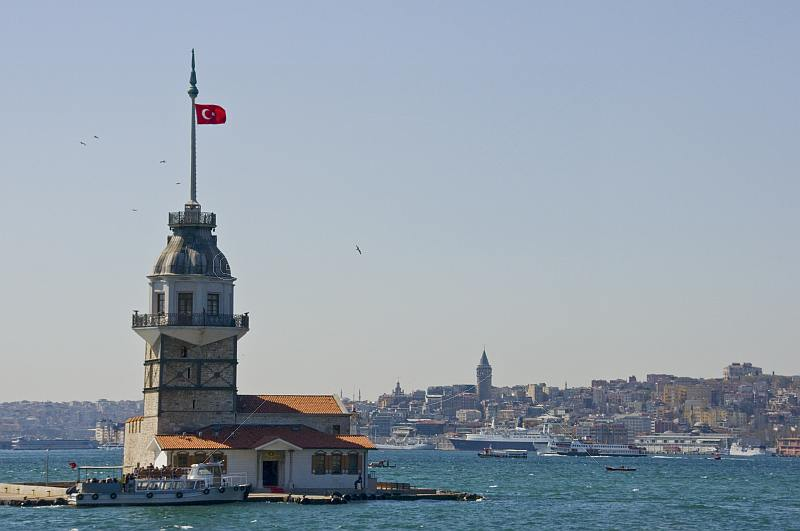 The Leander Tower commands a fine view across the Bosphorous to Beyoglu, on the European side.