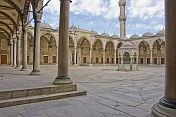 Empty courtyard of Sultan Ahmet\\\\'s blue mosque in Sultanahmet.