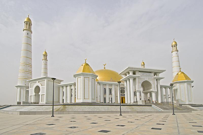 The golden-roofed Turkmenbashi Ruhy Mosque is the biggest in Central Asia, and can hold 10,000 worshippers.