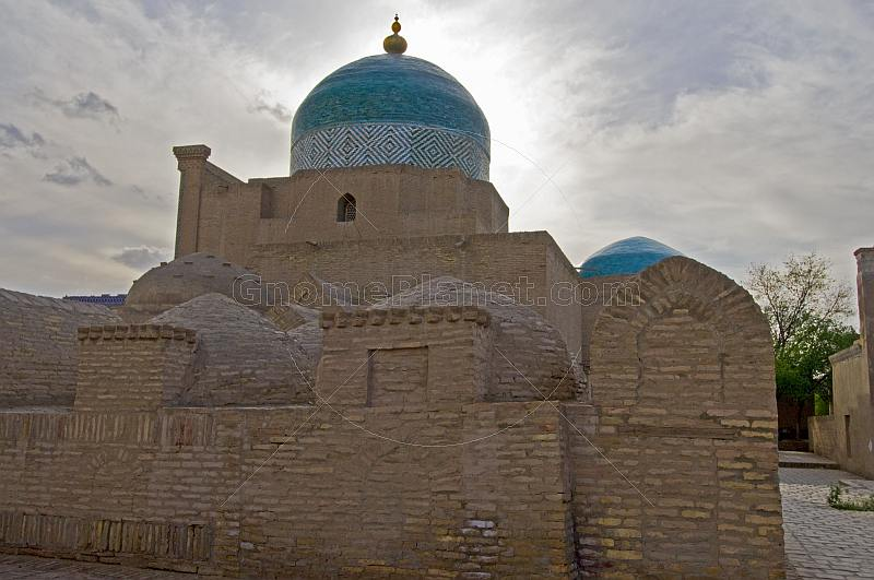 The Bathhouse of Anush-Khan, and the dome of the Necropolis of Pahlavan-Mahmud.