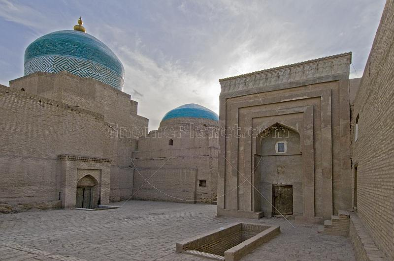 The Necropolis of Pahlavan-Mahmud, and the Aq Mosque.
