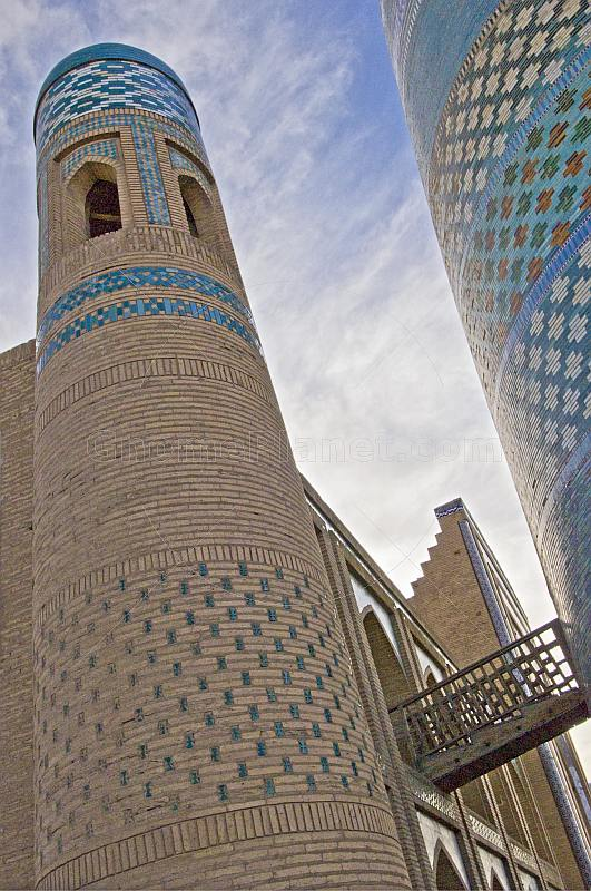 Turquoise-tiled Kalta-Minor minaret, and the Mohammed Amin Khan Medressa.