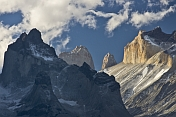 Mountains with sun and clouds in the Parque Nacional Los Glaciares.