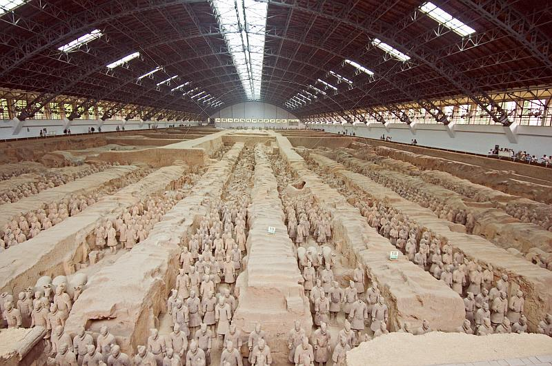 Ranks of Terracotta warriors in pit number 1.