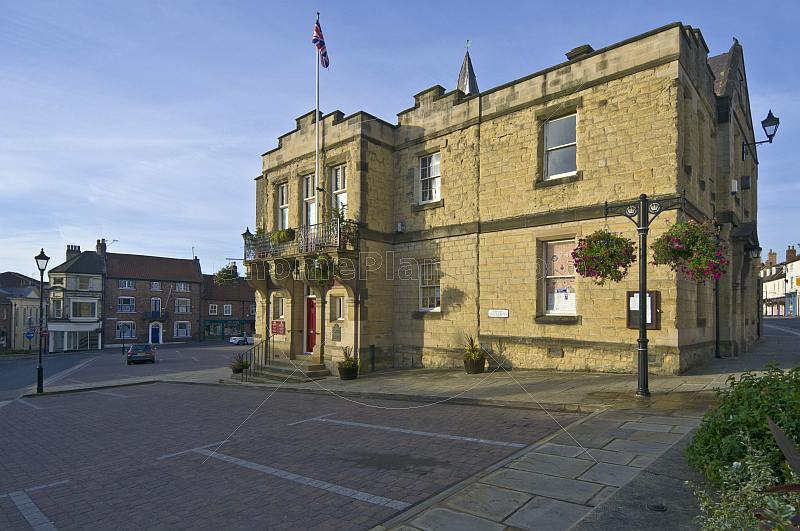 Sandstone Town Hall and Tourist Information Centre in the Market Place.
